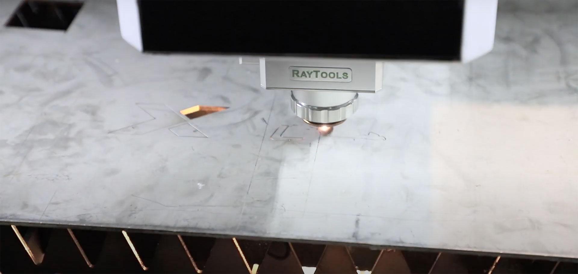 Fustellatura laser / come calcolare la velocità industriale a partire dal perimetro da fustellare.